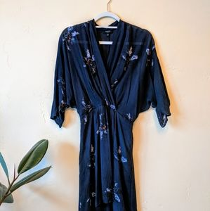 Aritzia  Babaton Cuthbert Silk Kimono Dress